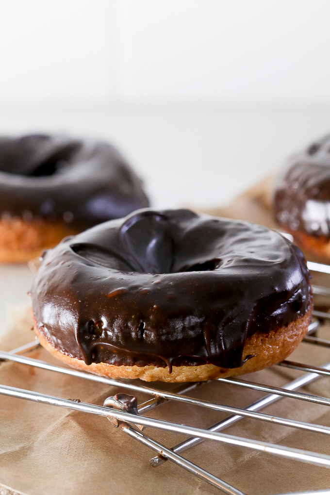 Low sugar chocolate donuts